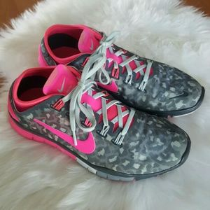 Nike free TR Connect 2 pink gray womens sneakers